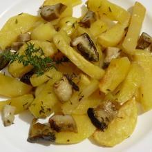Patate e funghi porcini al profumo di timo al forno