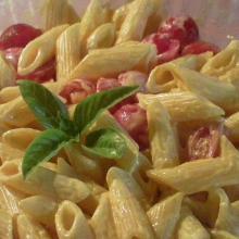 Pennette tiepide con zafferano e pomodorini