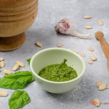Pesto di basilico e mandorle – ricetta facile e veloce