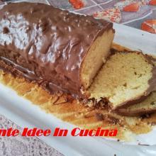 Plumcake glassato al cioccolato