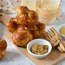 Pretzel monkey muffins