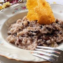 risotto con radicchio, toma e cialda di parmigiano