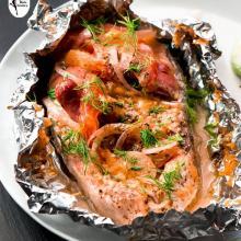 salmone al cartoccio con le verdure