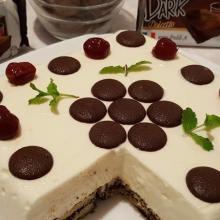 Semifreddo dolcetto dark vaniglia e amarene