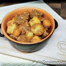 Spezzatino di manzo in umido con patate, carote e cipolline borettane
