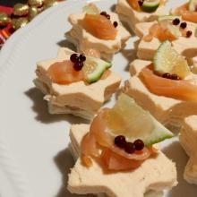 Stelline al patè di salmone, antipasto per le feste