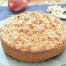 Torta alle mele e crumble di nocciole e cannella