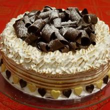 Torta meringata con cioccolato plastico con crema al lemon curd