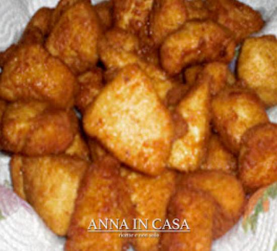 Bocconi di petto di pollo fritto