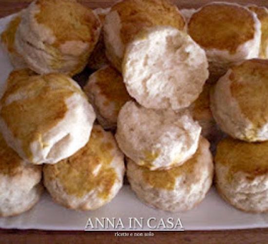 "Buttermilk scones - ""panini"" scozzesi"