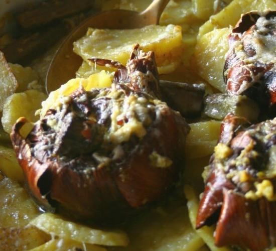 Carciofi e patate in teglia con salsa d'uovo