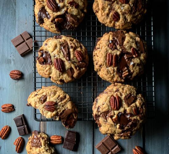 Cookies al doppio cioccolato e noci pecan