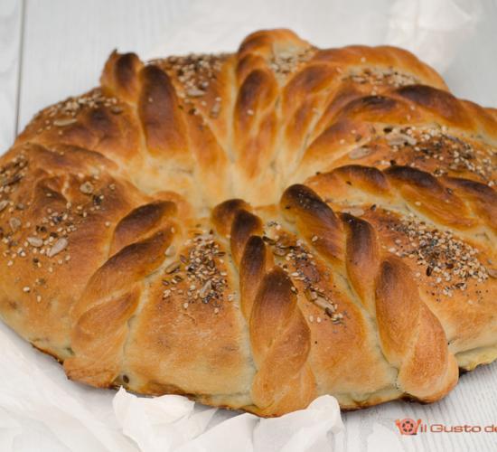 corona di pan brioche salata alle verdure