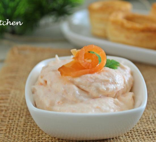 Crema al salmone pronta in 3 minuti ( perfetta per pasta e tartine)