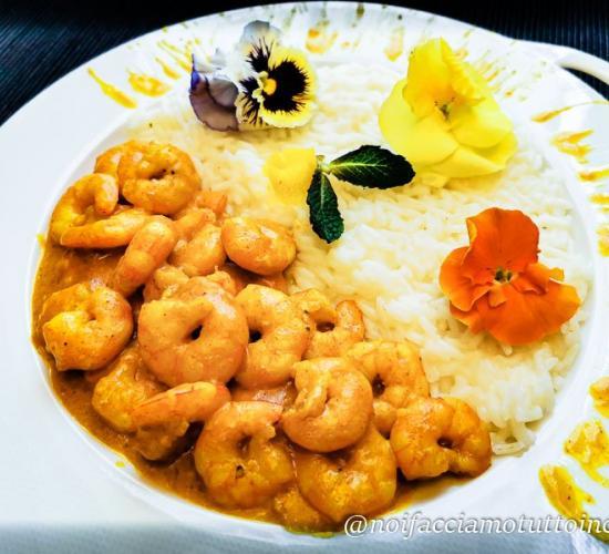 Curry di gamberi con riso apollo