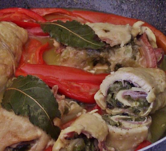 Involtini di pollo ai peperoni e scarola