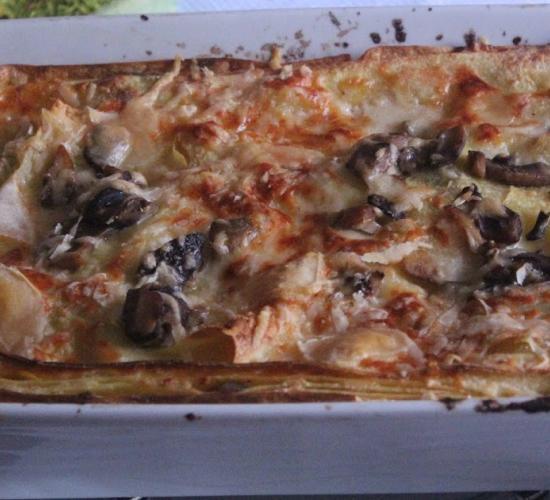La lasagna con porcini alla crema di parmigiano