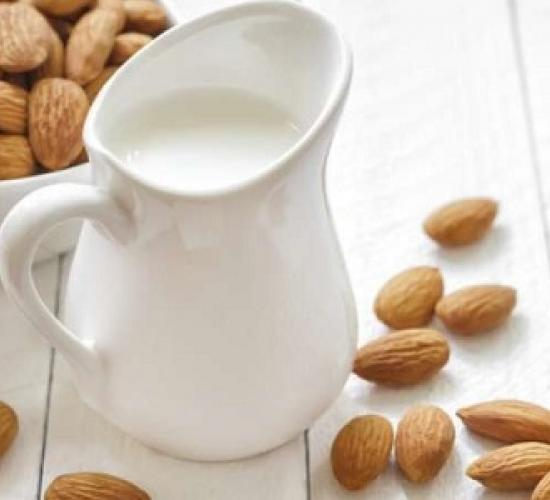 latte di mandorle (bimby)