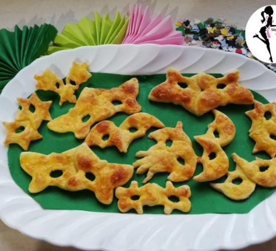 Mascherine dolci di carnevale  con le formine dei biscotti