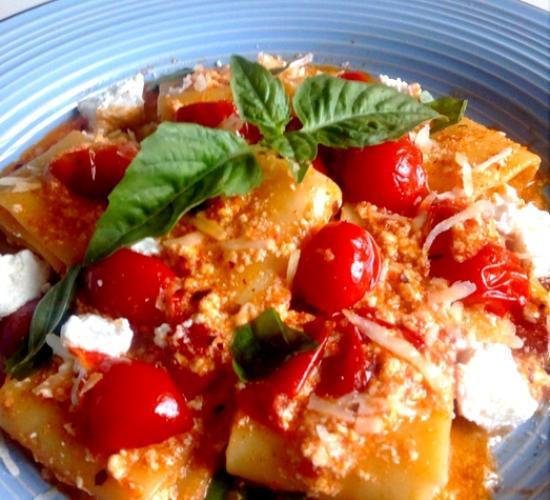 paccheri ai tre pomodori e ricotta di bufala - le ricette di max