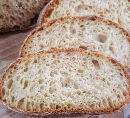 pane con semola rimacinata, senza pieghe e senza formatura