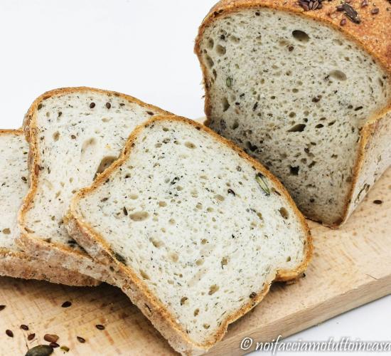 Pane in cassetta integrale senza glutine