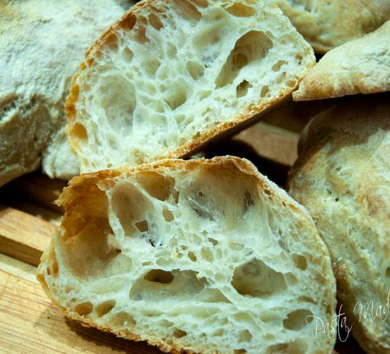 Pane maltagliato a lievitazione naturale