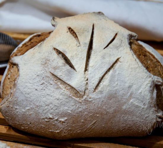 Pane senza impasto a forma di foglia