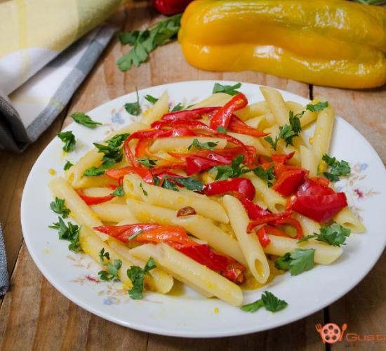 pasta con crema di peperoni allo zenzero e curcuma