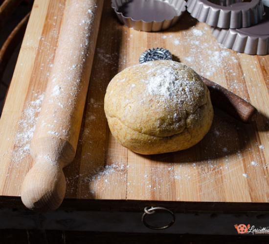 Pasta frolla salata al farro e burro di cocco