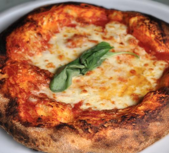 Pizza a legna con lievito madre