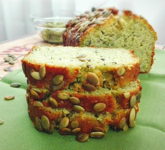 Plumcake rustico al pesto di basilico e semi misti