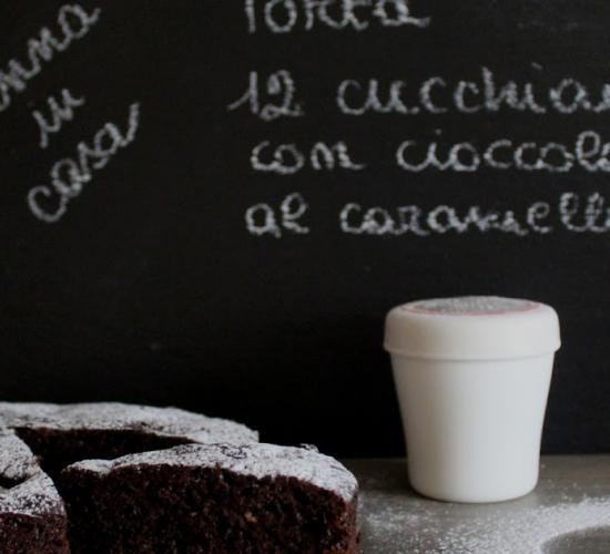 Torta 12 cucchiai con cioccolato al caramello