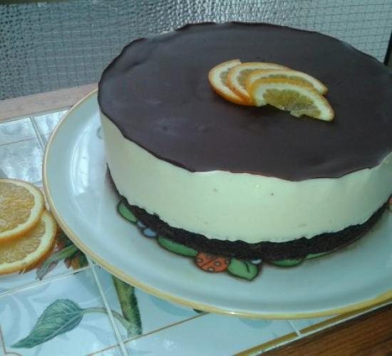 torta all'arancia con base al cacao