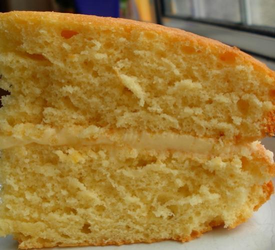 Torta margherita farcita alla crema limone