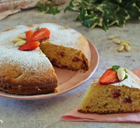 Torta rustica fragole  e mandorle