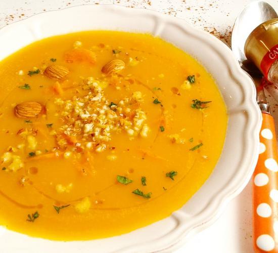 Vellutata di carote e patate alla cannella